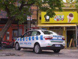 altText(Los mismos delincuentes robaron una panadería y una heladería linderas)}