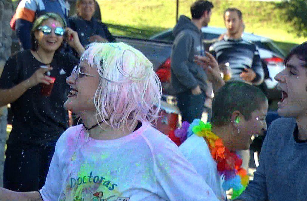 Color y alegría: 573 médicos se recibieron y lo celebraron en el Parque Batlle