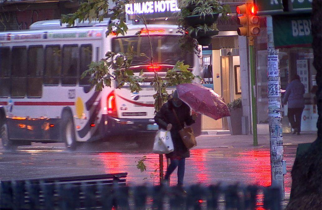 Vuelven las lluvias y tormentas desde el sábado de noche y después frío polar
