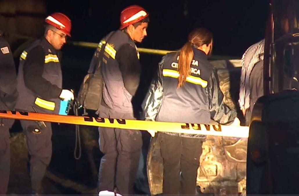 Intentan identificar al hombre que fue hallado calcinado en interior de un auto