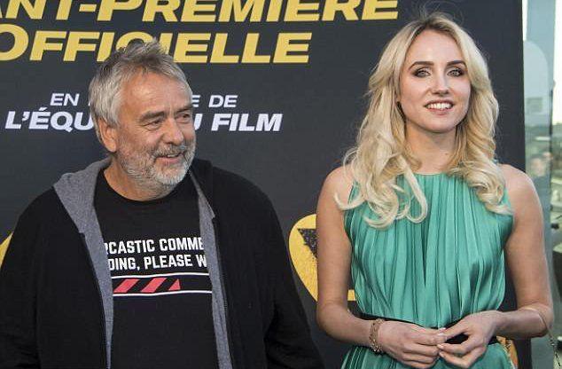 Luc Besson y Sand Van Roy en abril de 2018 durante la presentación del film Taxi 5. También trabajó en otras películas del mismo director. Ella niega haber tenido una relación de pareja con Besson. Dijo que se sintió forzada a mantener relaciones con él por motivos profesionales. El ataque