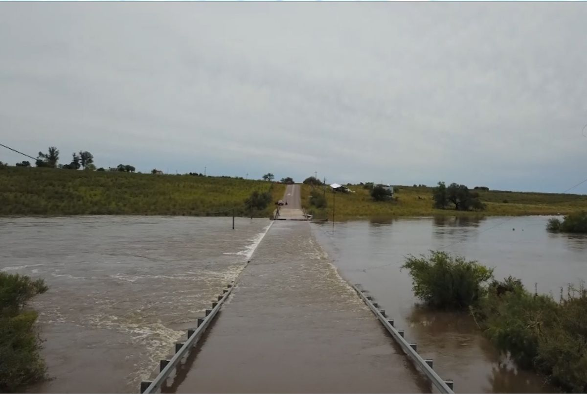 Aviso a la población por tormentas fuertes y lluvias intensas el domingo y el lunes