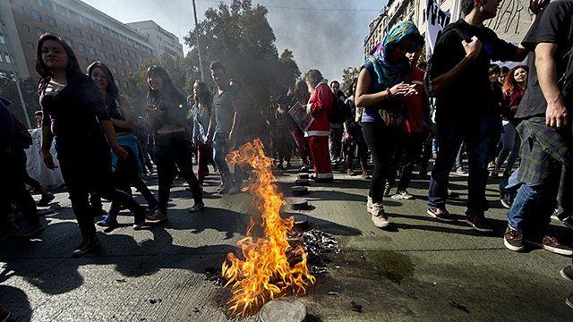 Chile: dos muertos en incidentes al finalizar marcha estudiantil
