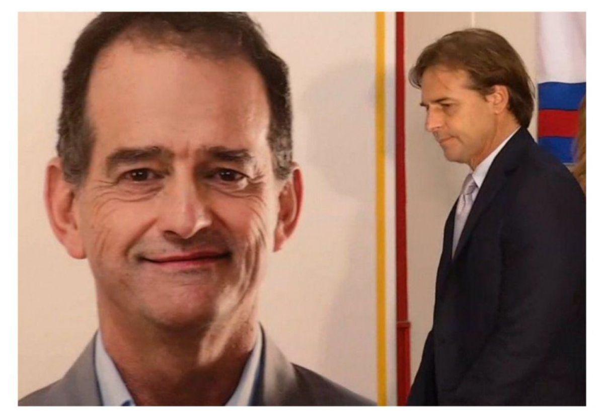 Lacalle Pou ingresando a la sede de Cabildo Abierto. El presidente ha tenido algunas diferencias con el sector de Guido Manini Ríos
