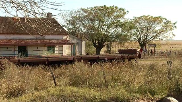 Un pueblo entero sin agua: vecinos de Carlos Reyles cuentan cómo viven