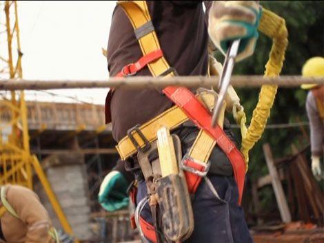 Anuncian decreto reglamentario sobre seguridad en la construcción