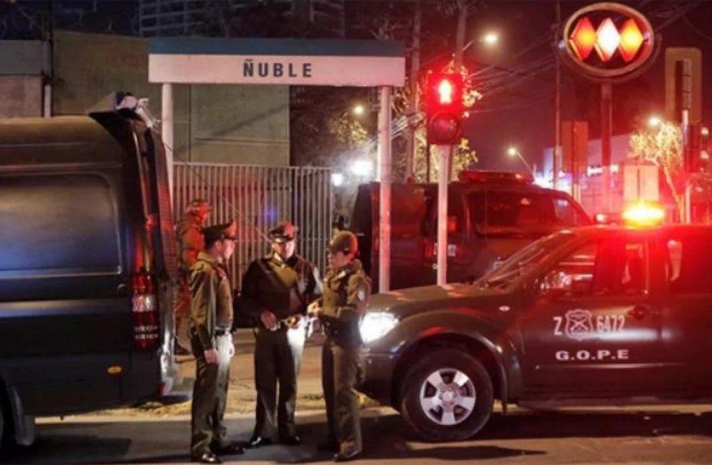 Policía investiga a cinco hinchas de Universidad de Chile por violación grupal