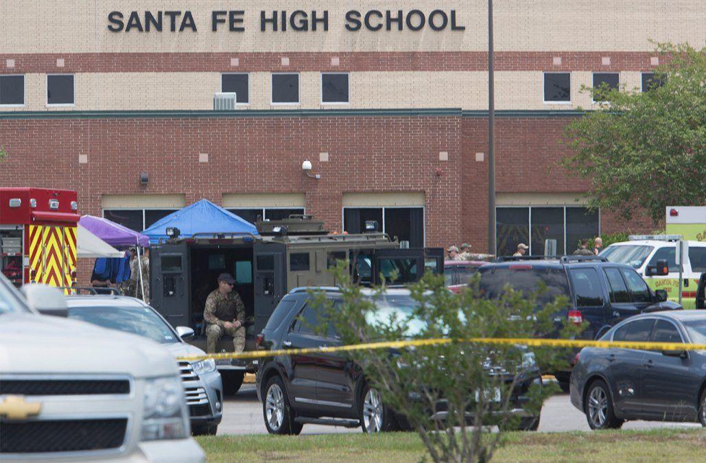 Diez muertos y diez heridos en tiroteo en escuela de Texas