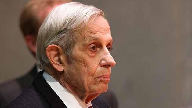 Murió John Nash, matemático que inspiró la película Una mente brillante