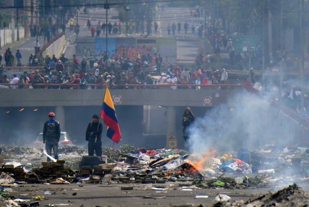 Indígenas y gobierno abren diálogo tras violenta jornada en Quito