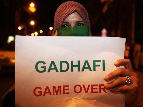 Cercan a Gadafi: los rebeldes capturan a dos de sus hijos