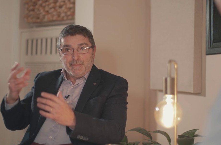 Pablo Cayota es director del Colegio Santa Elena