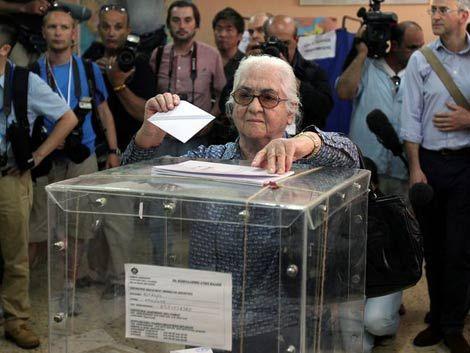 Los griegos votan entre la esperanza y el miedo al cambio