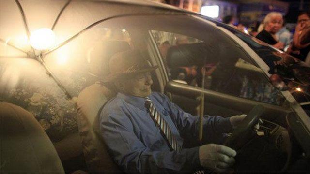 Taxista muerto es velado en su propio vehículo en Pierto Rico