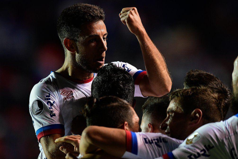 Noche perfecta: Nacional ganó 1-0 a Santos en un Parque Central a tope
