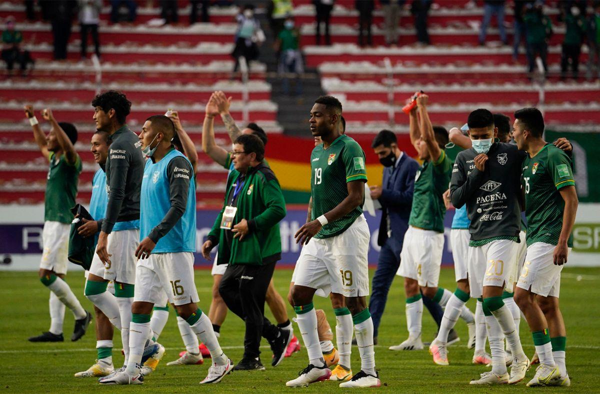 Bolivia golea 4-0 a Paraguay y ambos están en mitad de tabla con 12 puntos