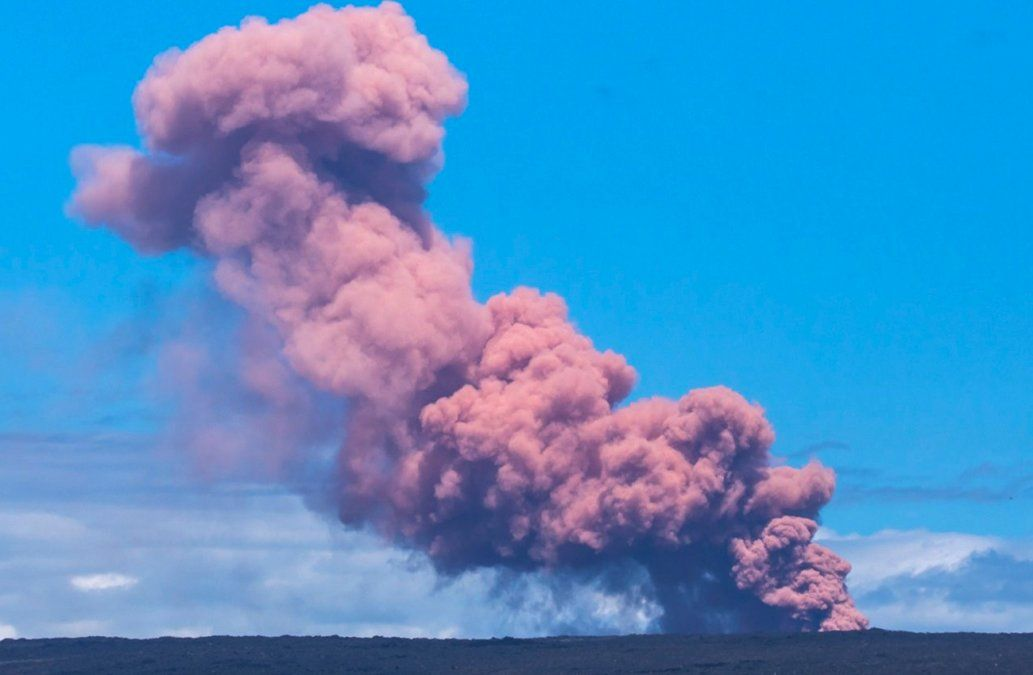 Erupción volcánica en Hawái fuerza a evacuación de miles de personas