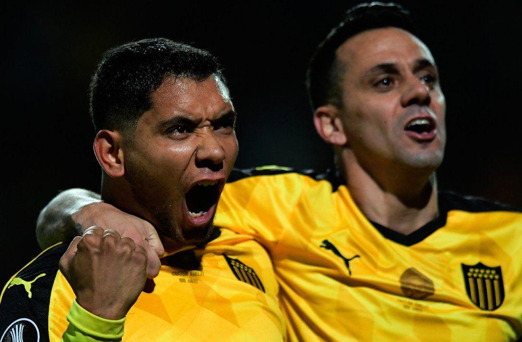 Peñarol le ganó 2-0 a The Strongest, pero quedó afuera de la Libertadores
