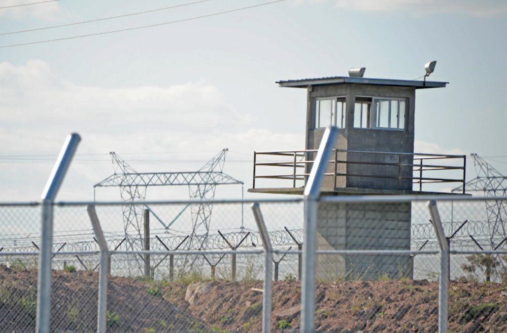 Dos presos murieron en incidentes registrados en cárceles en Punta de Rieles y Libertad