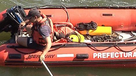 Intensa búsqueda de tripulantes de embarcación que apareció hundida