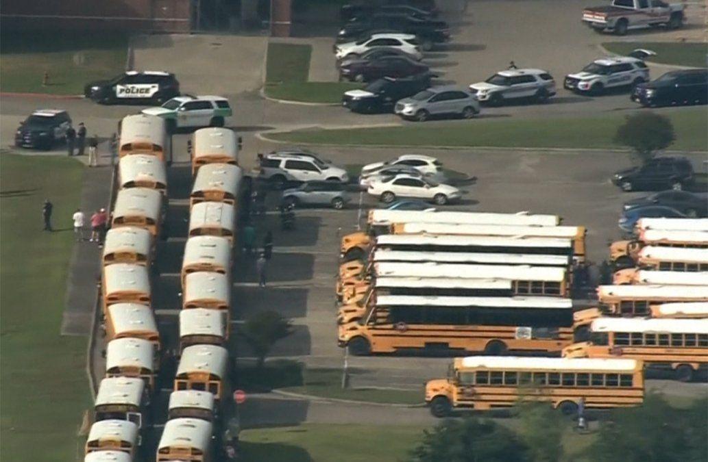 Varios muertos en tiroteo en escuela secundaria de Texas
