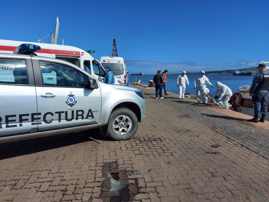 Operativo sanitario en el Puerto; desembarcaron tres tripulantes por sospecha de Covid 19
