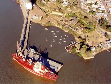 Cumbre del gobierno por negativa argentina a operación portuaria