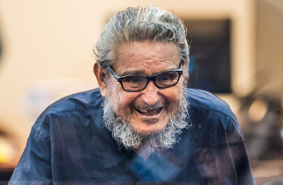 Muere en prisión fundador de Sendero Luminoso Abimael Guzmán