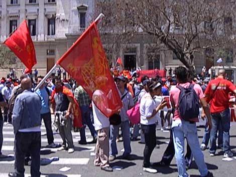 Caos en el tránsito por movilización del SUNCA frente al Palacio