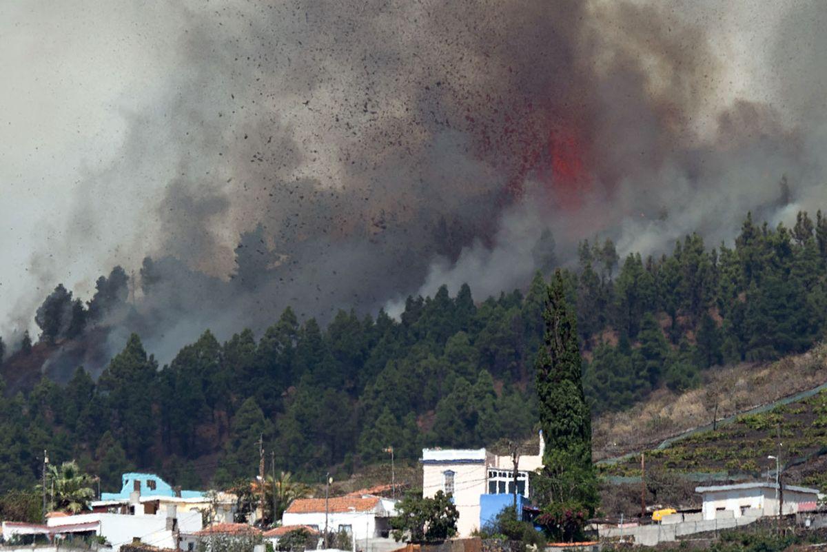 Video: entró en erupción el volcán Cumbre Vieja en la isla de La Palma