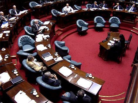 Oposición aprovechó venia a Silva para criticar ASSE