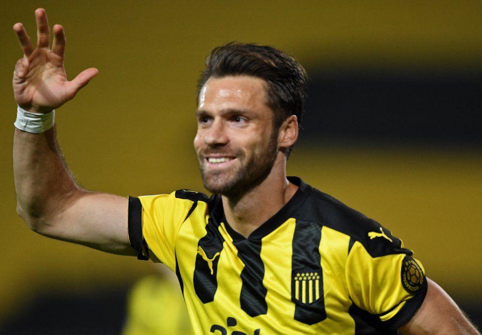 Peñarol desactivó la bomba Kagelmacher: se le renovó contrato y no se irá a Belgica
