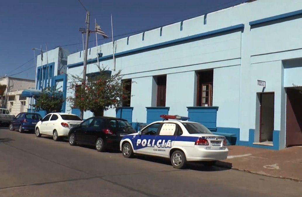 Investigan a un policía por compra de armas incautadas a la organización criminal Os Manos