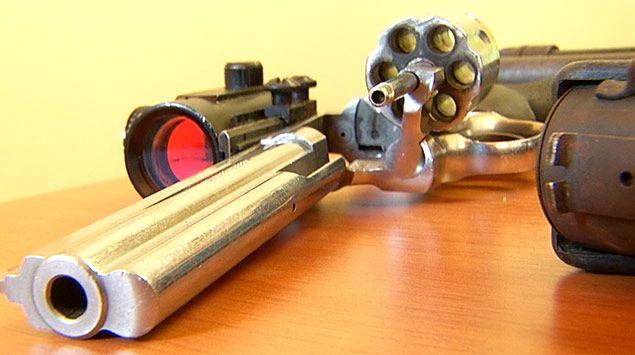 Exsoldado e hijo procesados por alquilar y vender armas a delincuentes