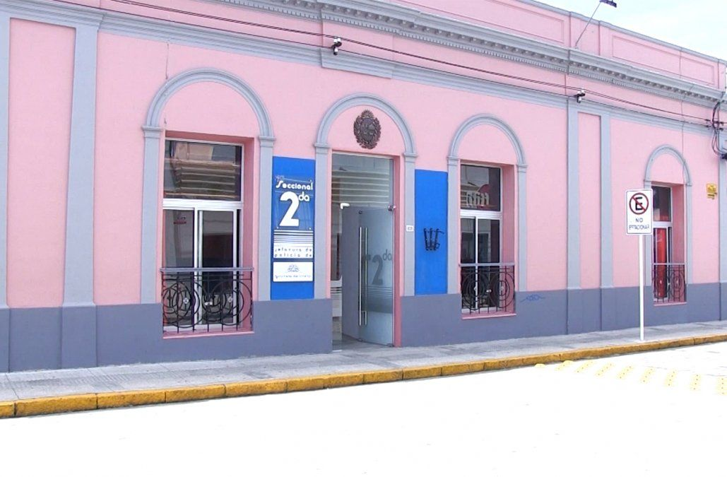 Investigan el asesinato a balazos de un hombre en la ciudad de San Carlos
