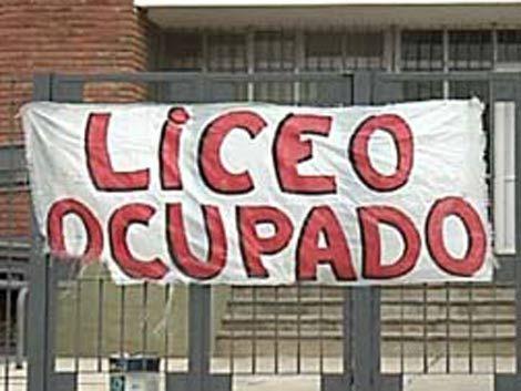 Liceo de Ciudad del Plata ocupado por los docentes