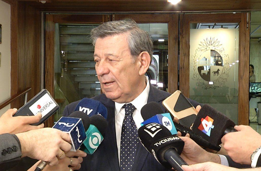 María y su hija seguirán en el Consulado uruguayo: no las vamos a echar, dijo Nin Novoa