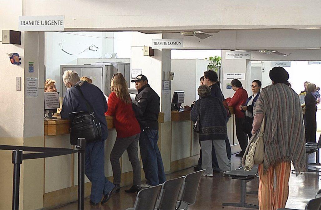 Intendencias y municipios podrán casar y registrar nacimientos y defunciones