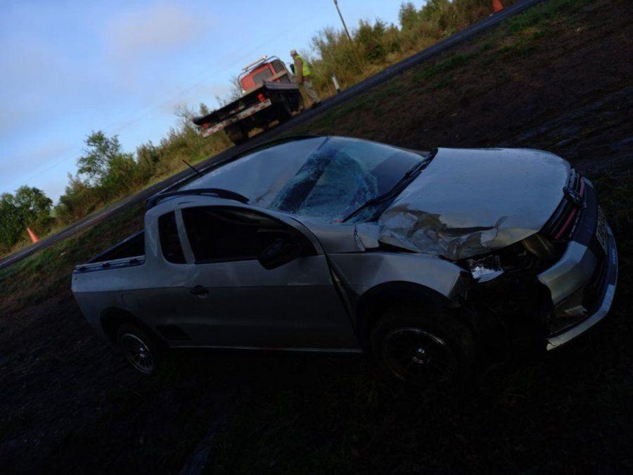 Conductor con espirometría positiva chocó contra cartelería y su acompañante falleció