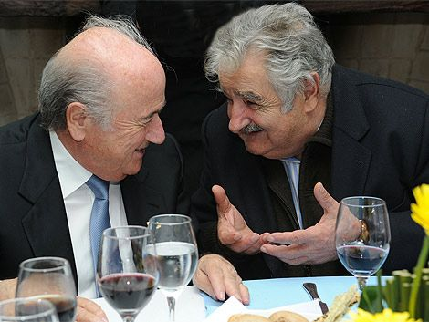 "Mujica le planteó a Blatter la ""causa nacional"" del Mundial 2030"