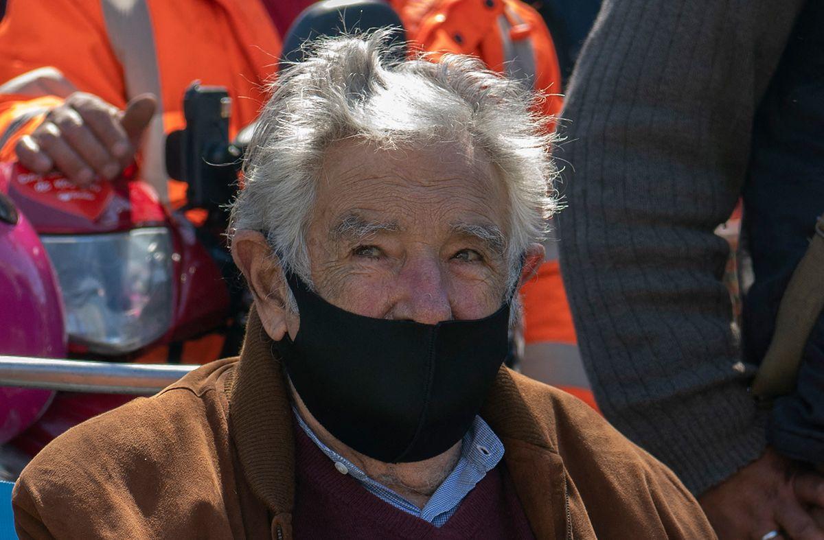 Mujica criticó a Lacalle Pou por sus dichos en Celac: Si nos ponemos a medir democracias, ¡pobres de nosotros!