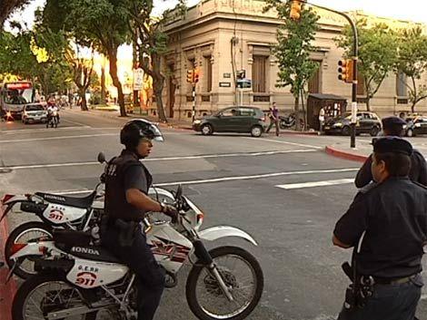 El gobierno proyecta sacar a la calle 1.500 policías más en 2011
