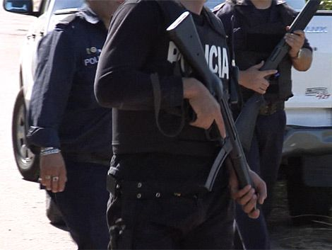 Policías reclaman 20% de aumento de sueldo