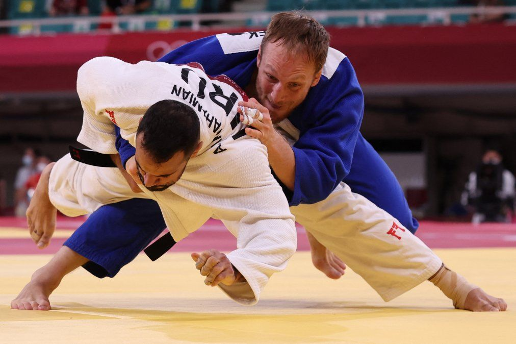 Judoca uruguayo Aprahamian perdió en su debut ante el sueco Pacek