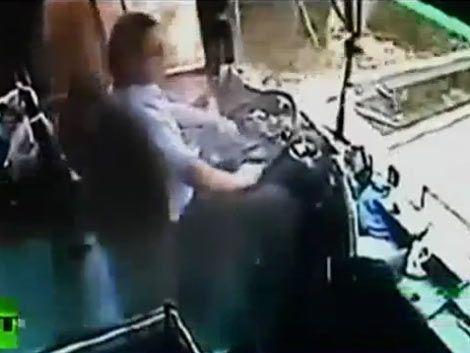 Heroico chofer salvó a todos sus pasajeros antes de morir