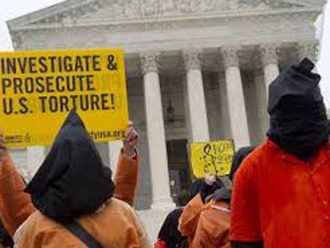 Bonomi dijo que los presos de Guantánamo ya aprenden español