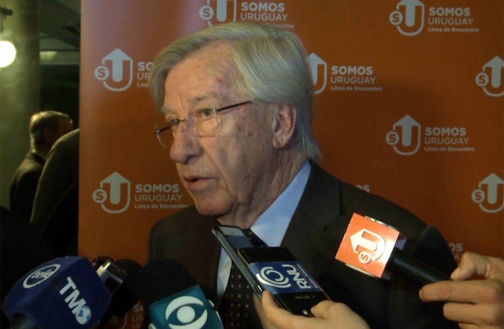 Astori: Suba del dólar en Uruguay acompaña la tendencia mundial