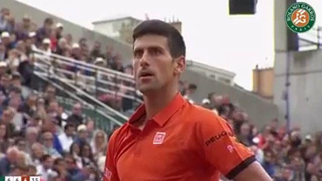 Mirá el insólito punto que perdió Novak Djokovic en Roland Garros