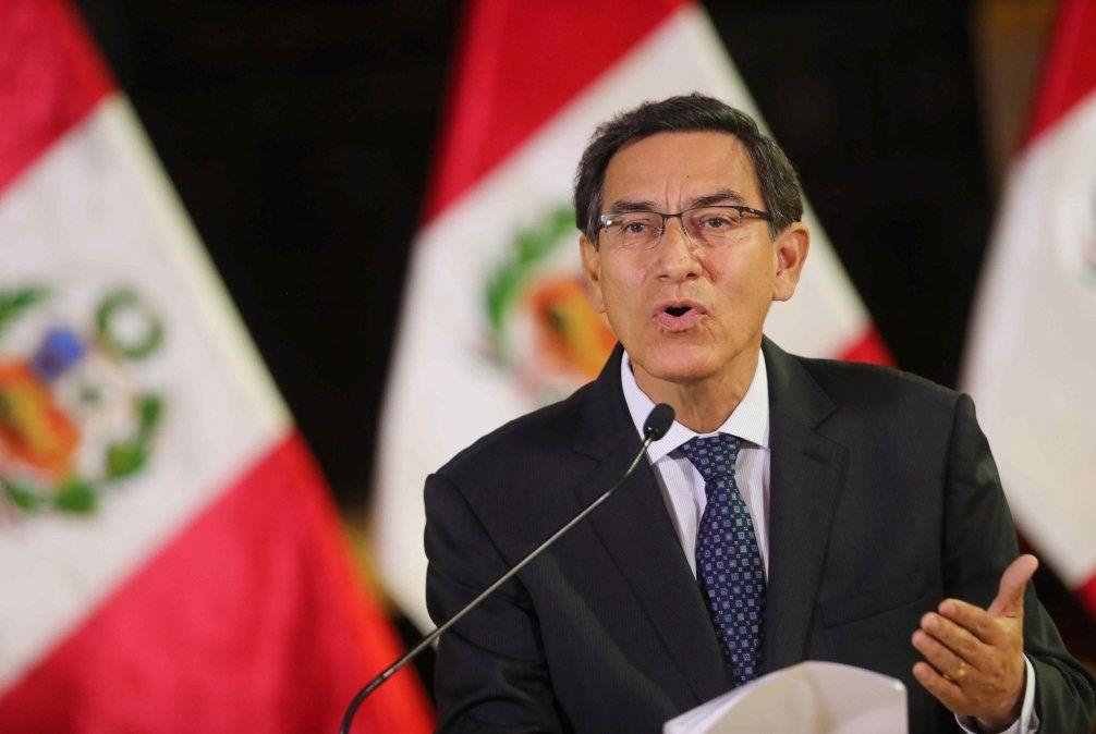 El presidente peruano afianza su poder después de disolver el Congreso