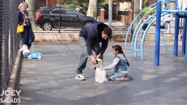 Video alerta sobre lo sencillo que es secuestrar a un niño en una plaza